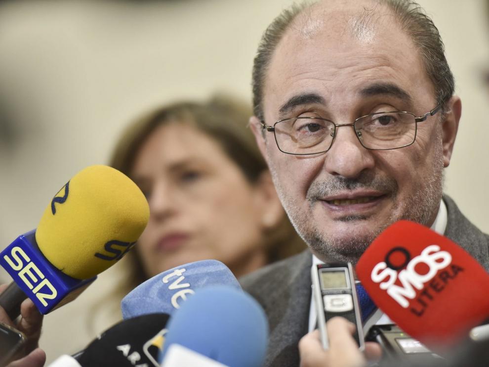 """Sánchez asegura que """"no se va a salir ni un milímetro de la Constitución"""""""