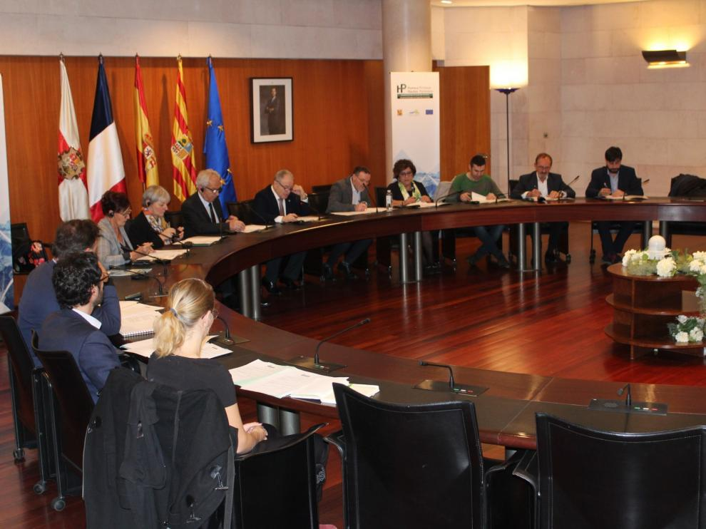 La Diputación de Huesca y el Consejo General Altos Pirineos ultiman detalles para la puesta en marcha de la nueva AECT Pirineos-Pyrénées