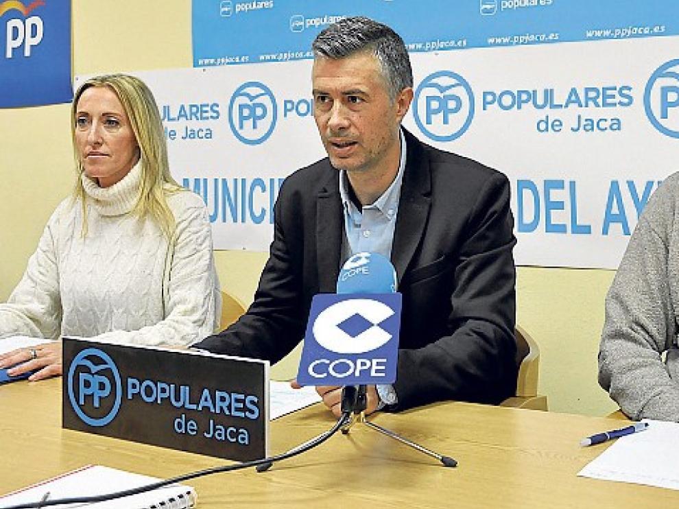 """Serrano (PP): """"El presupuesto del tripartito no aporta nada a los vecinos de Jaca"""""""