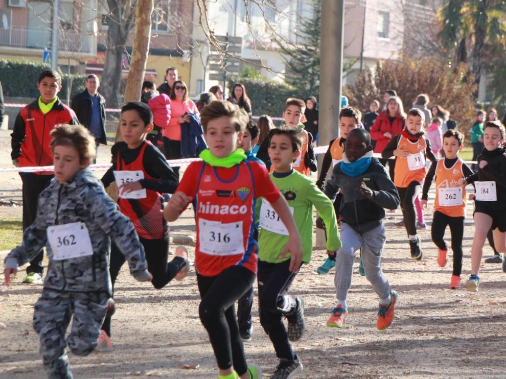 Más de 400 atletas correrán en Monzón el Cross del Turrón
