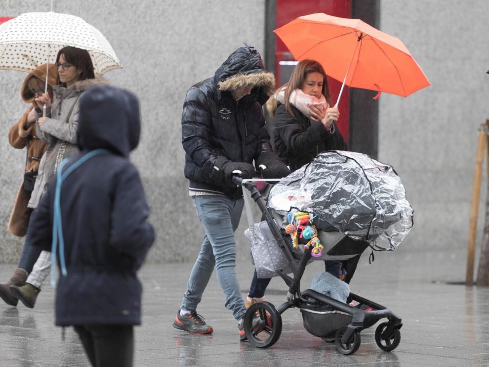 Una avería por el temporal retrasa horas el AVE Madrid-Huesca