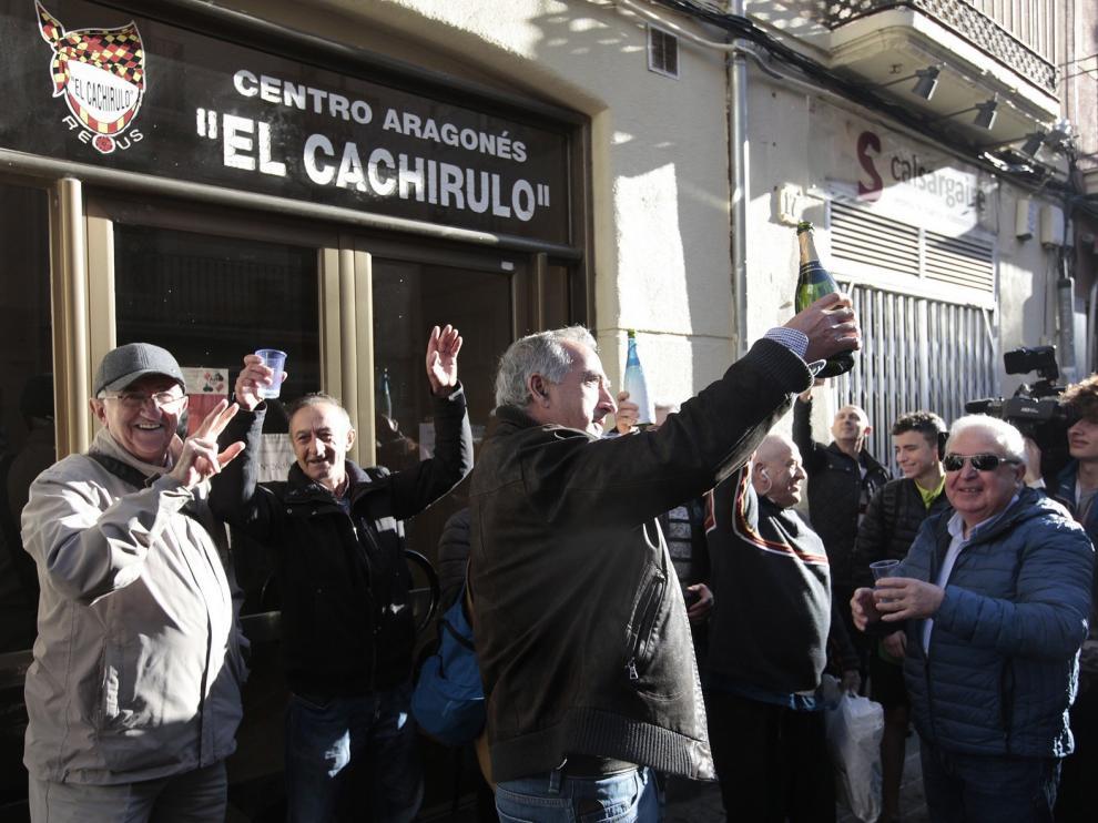 El Centro aragonés Cachirulo de Reus reparte 320 millones de 'el Gordo'