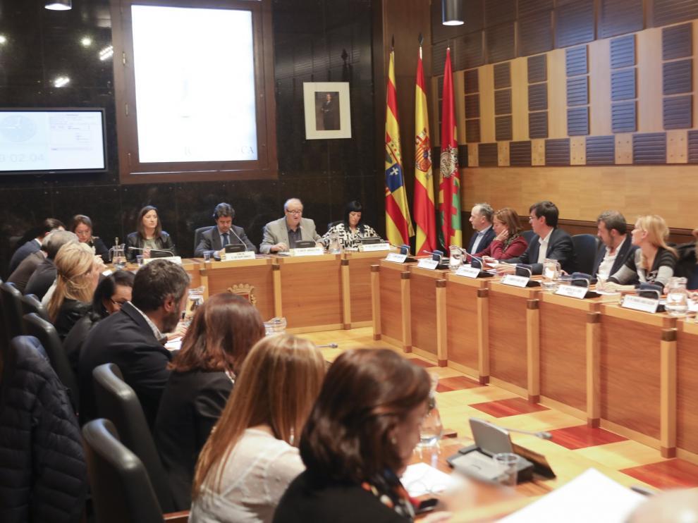 """Romance (PSOE) critica que PP y Podemos en el Ayuntamiento de Huesca apuestan por """"paralizar la ciudad"""""""