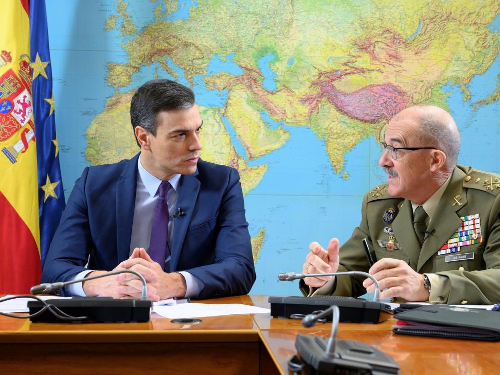 Sánchez agradece a las tropas en el exterior su afán para una España más segura