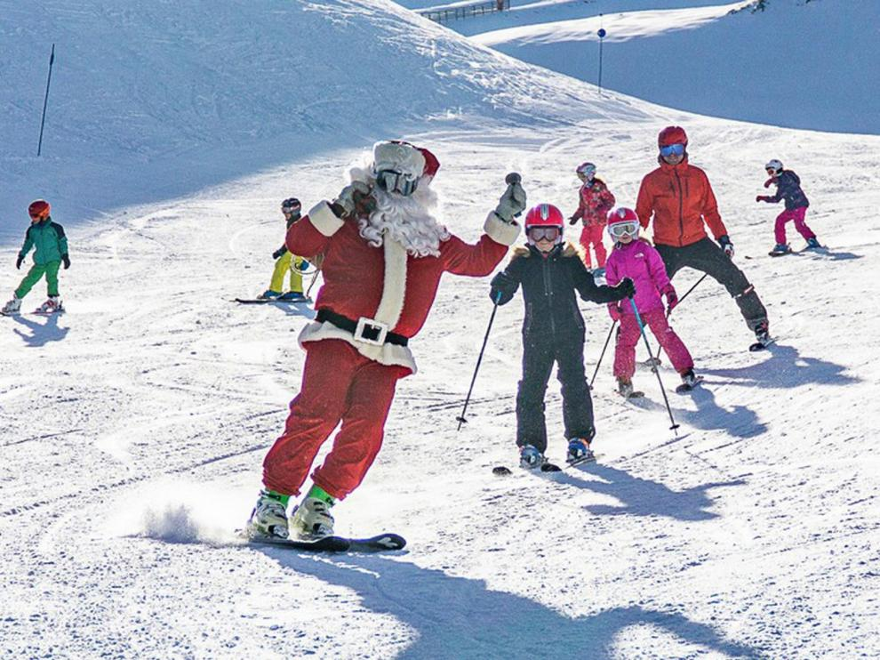 Las estaciones de esquí preparan el aluvión de turistas
