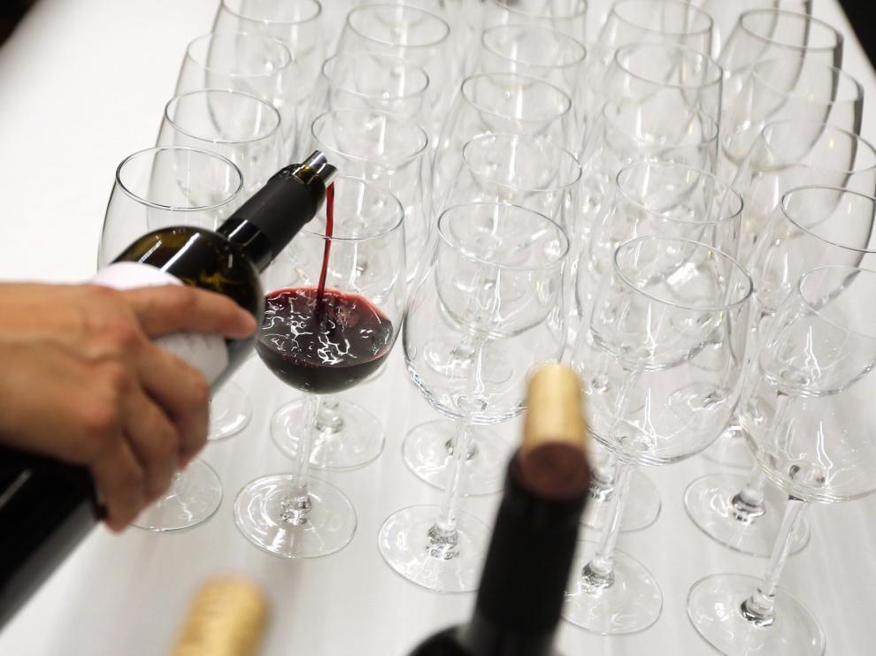 Cada aragonés consume menos de 6 litros de vino al año