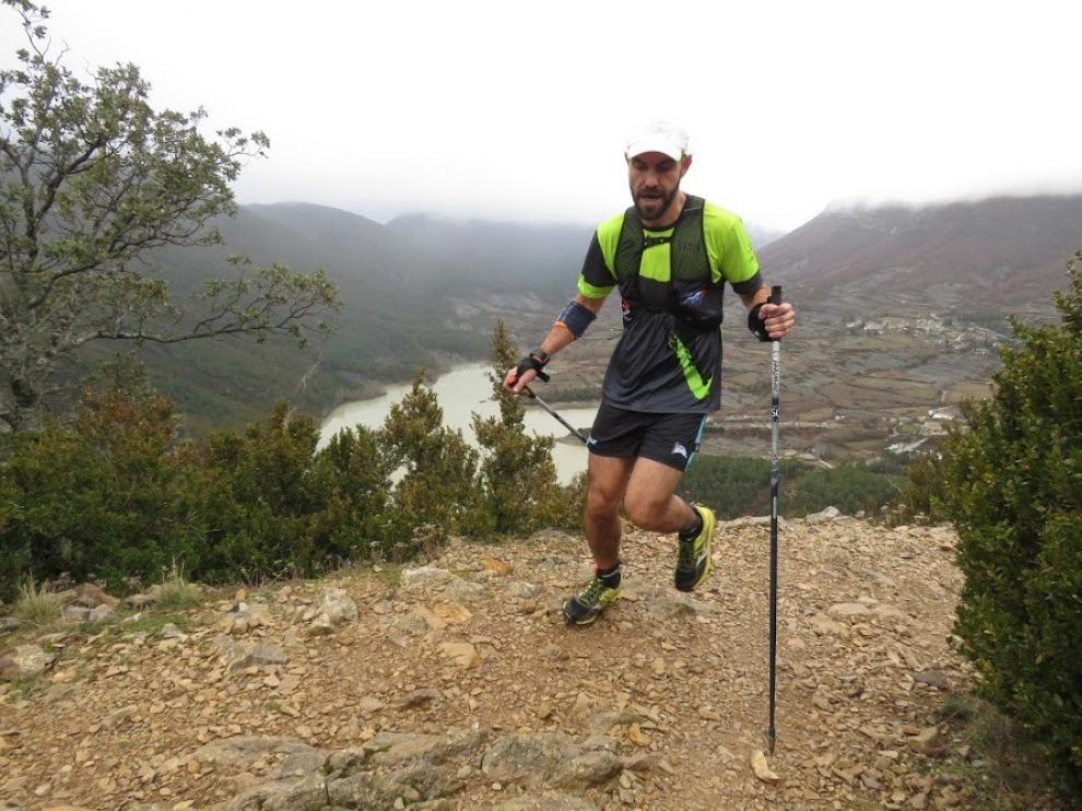 Fin de temporada participativo y solidario en el Pico del Águila