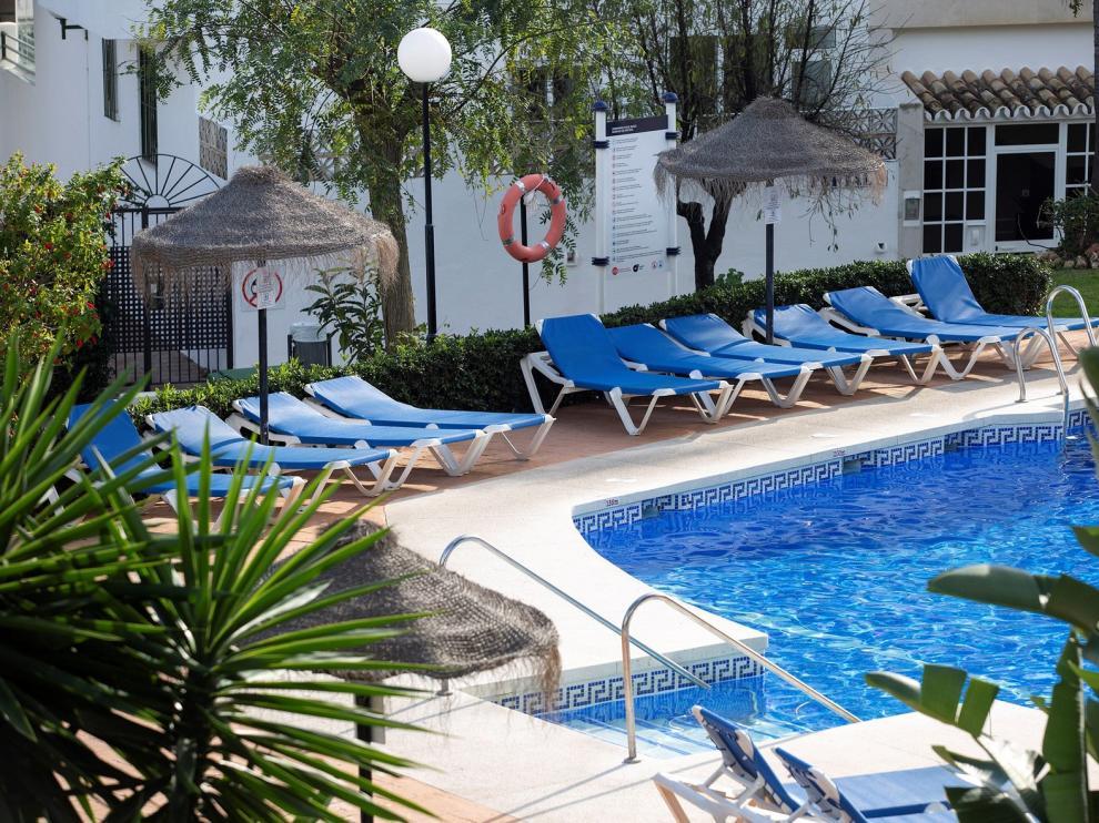 Ninguno de los tres fallecidos en una piscina en Mijas sabía nadar