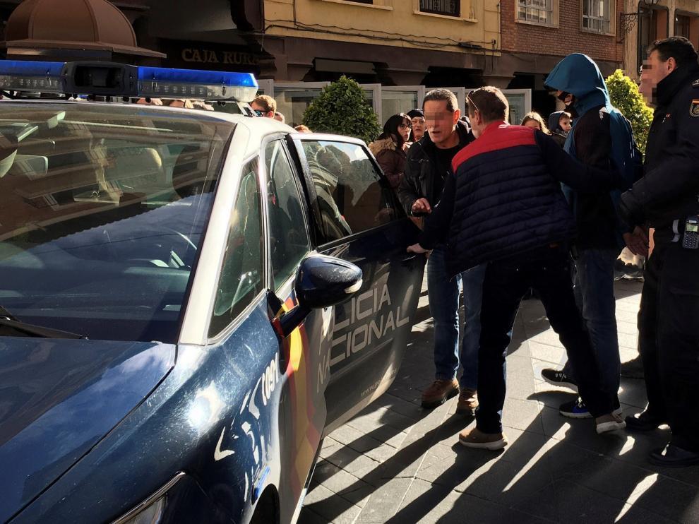 Un detenido por intentar asaltar un banco en el plaza del Torico