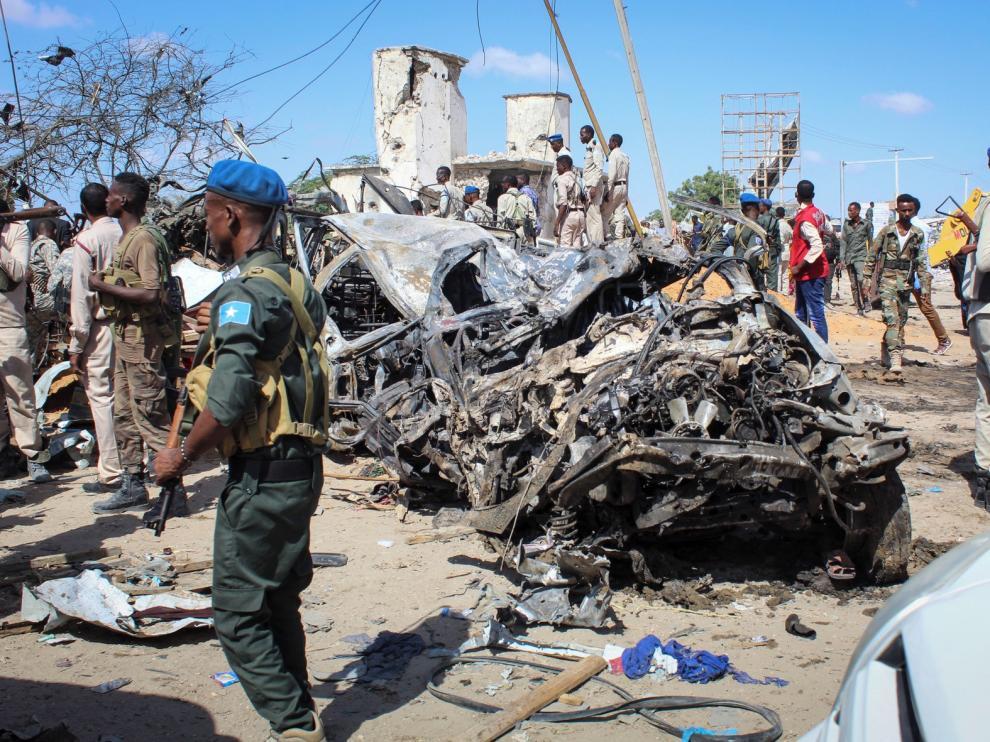 Aumentan a 92 los muertos en uno de los peores atentados ocurridos en Mogadiscio
