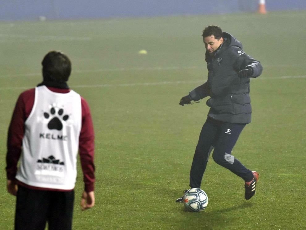 El Huesca regresa este lunes al trabajo con algunas ausencias e invita a los aficionados a que acudan al entrenamiento