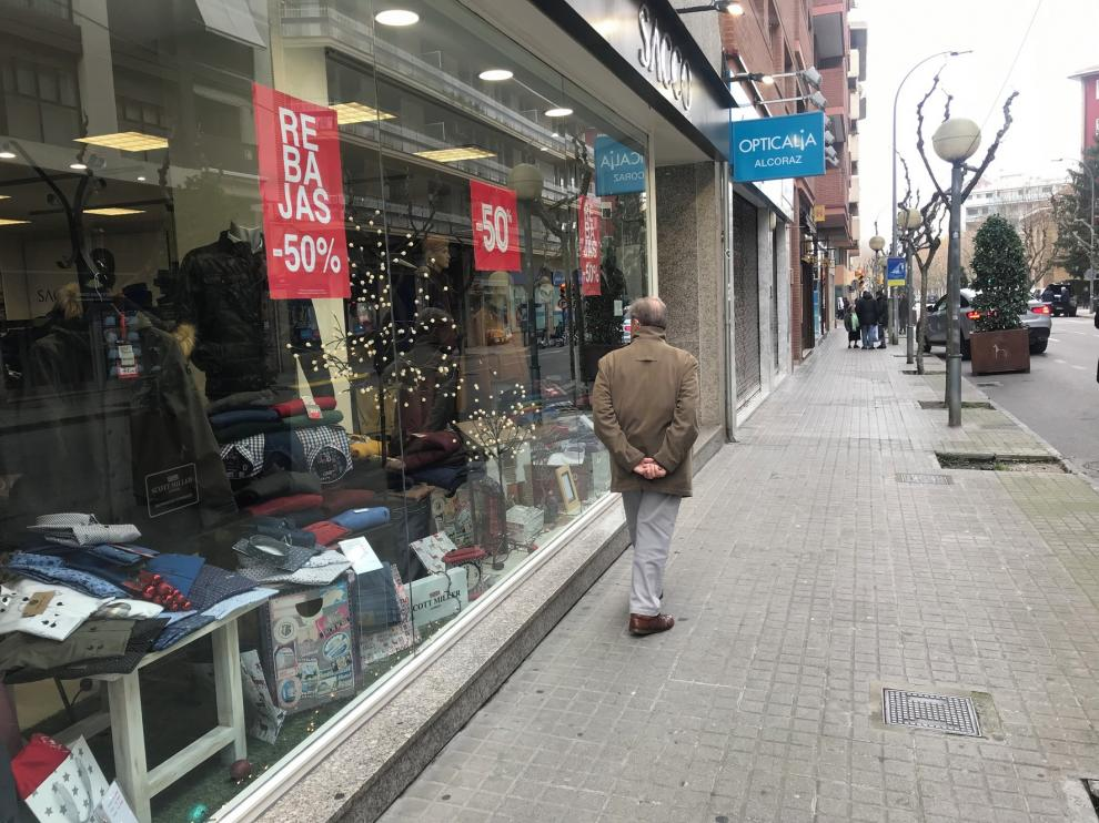 Rebajas y promociones animan en Huesca la venta de los regalos de Reyes