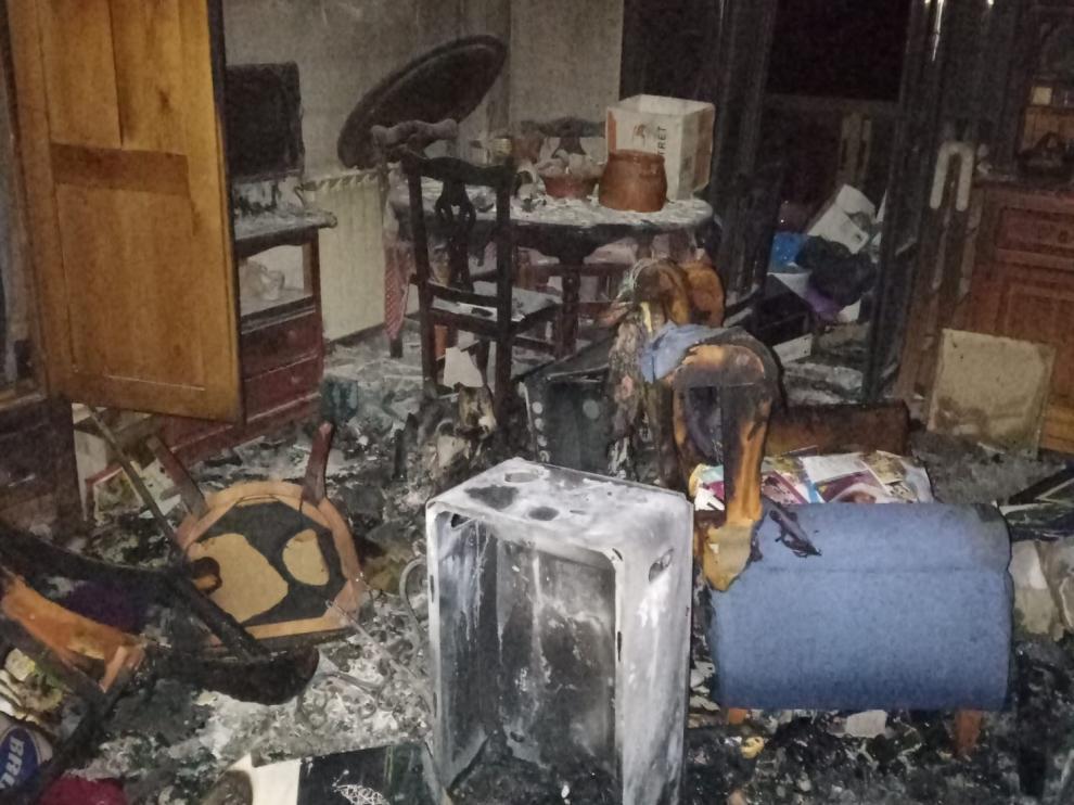 Cuatro personas rescatadas en un incendio en Candanchú