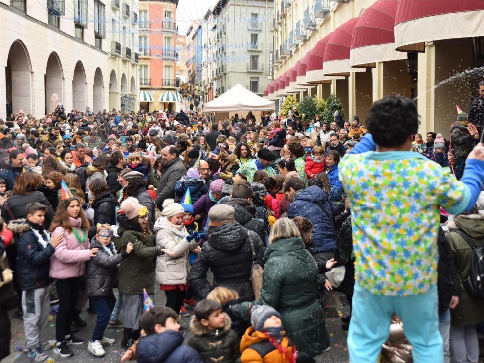 Las campanadas infantiles reúnen en Huesca a más de mil personas