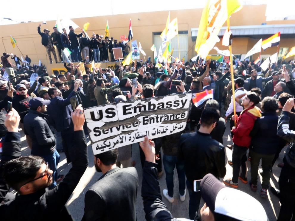 Milicias chiíes abandonan la embajada de EEUU en Bagdad