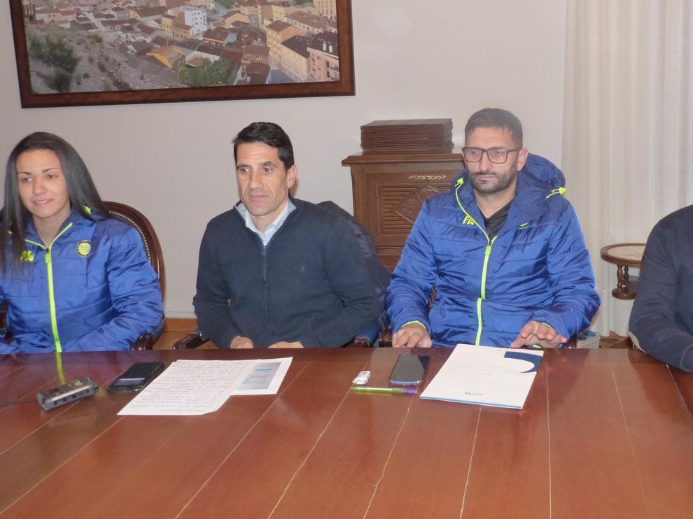 Monzón promociona sus instalaciones deportivas a nivel europeo