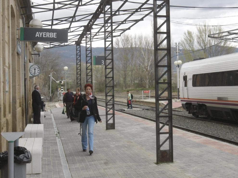 Cinco estaciones de tren de la provincia de Huesca, sin venta presencial de billetes