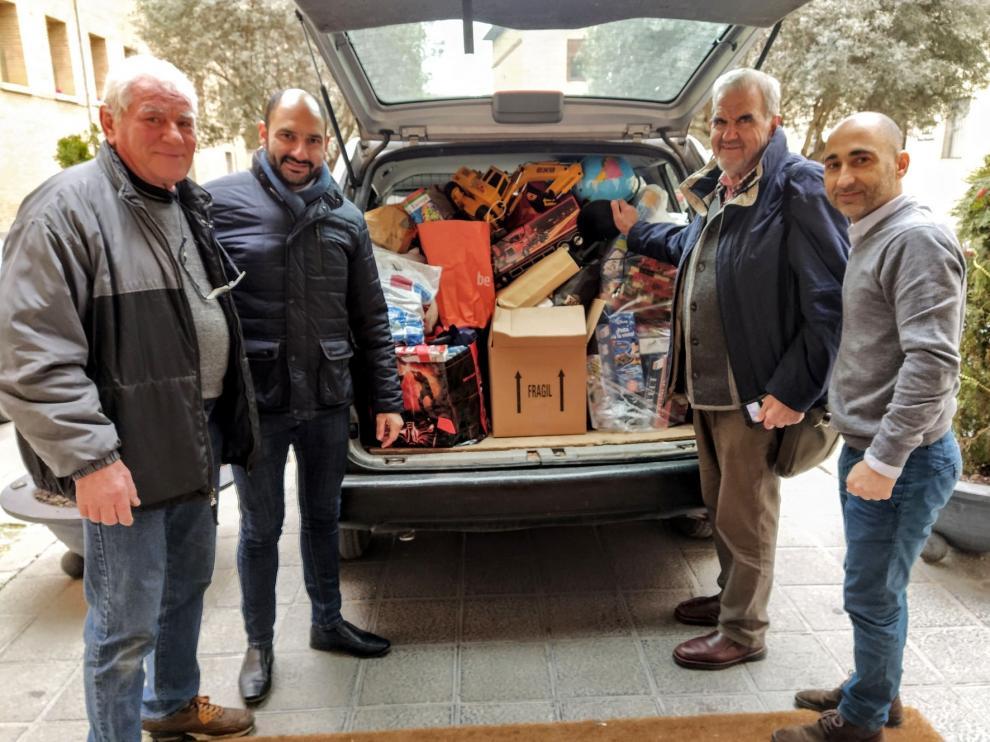 En Barbastro, 147 vecinos dan regalos para los más pequeños