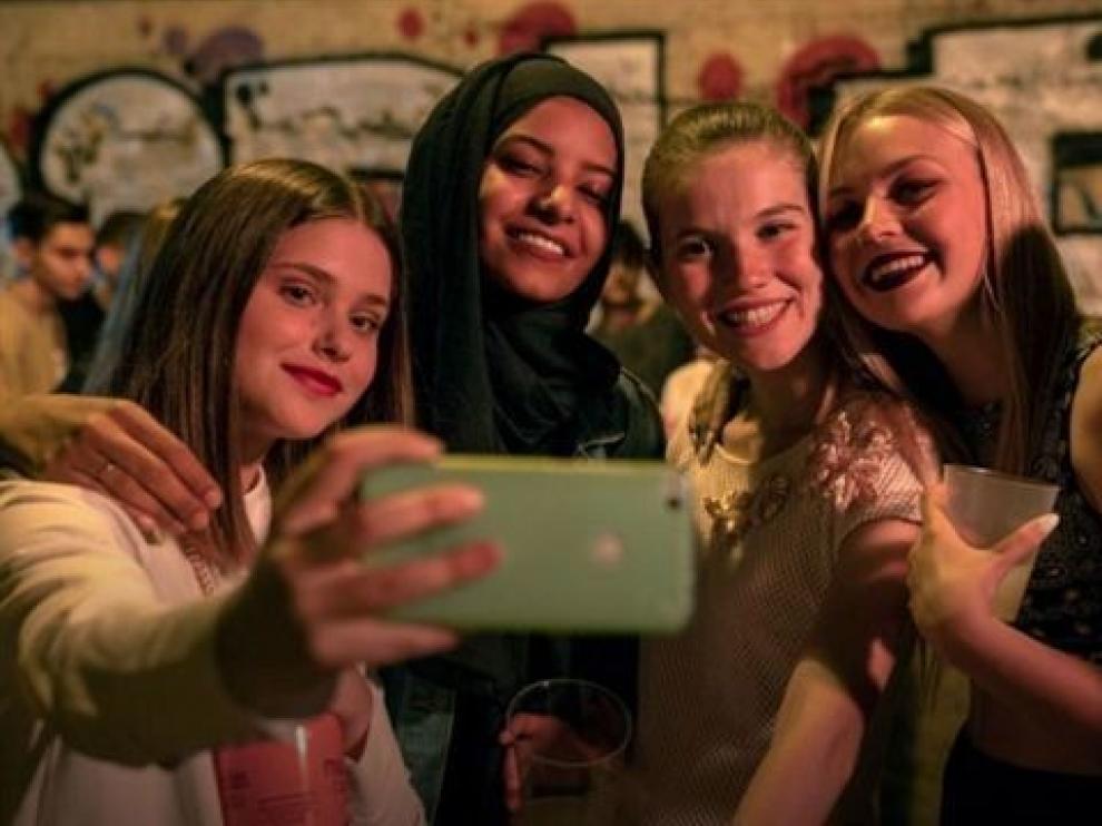 """""""Skam España"""" innova a golpe de redes, jóvenes y feminismo"""