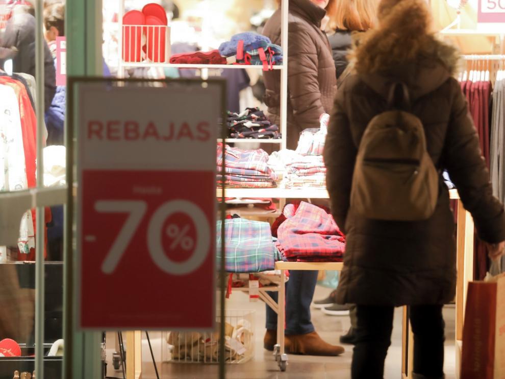 El Gobierno permite finalmente las rebajas desde este lunes en toda España