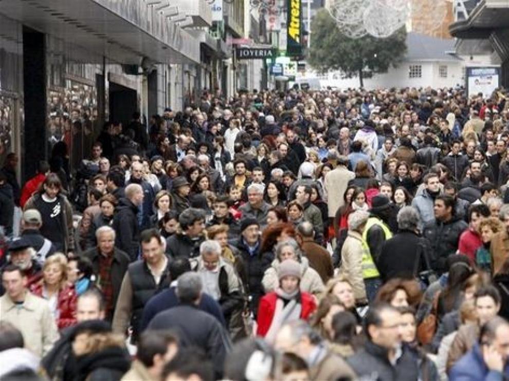 La inmigración eleva a 47,10 millones la población residente en España