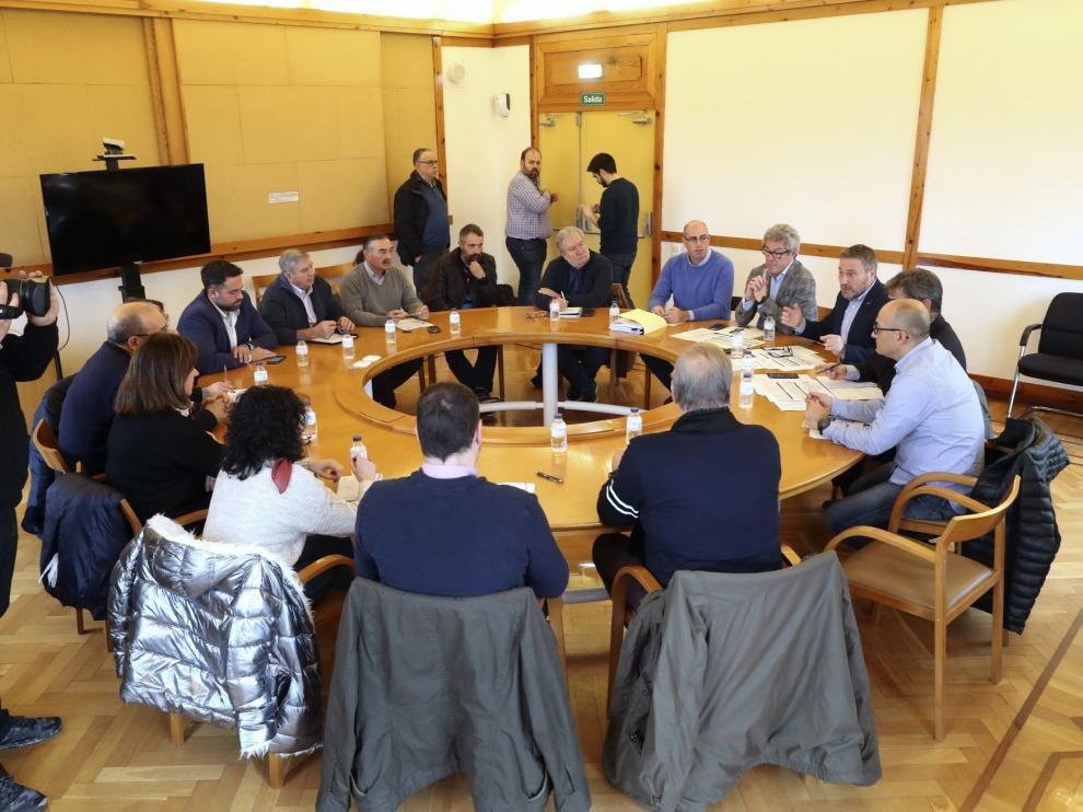 Aragón pide que la línea Zaragoza-Teruel pare en todos los municipios