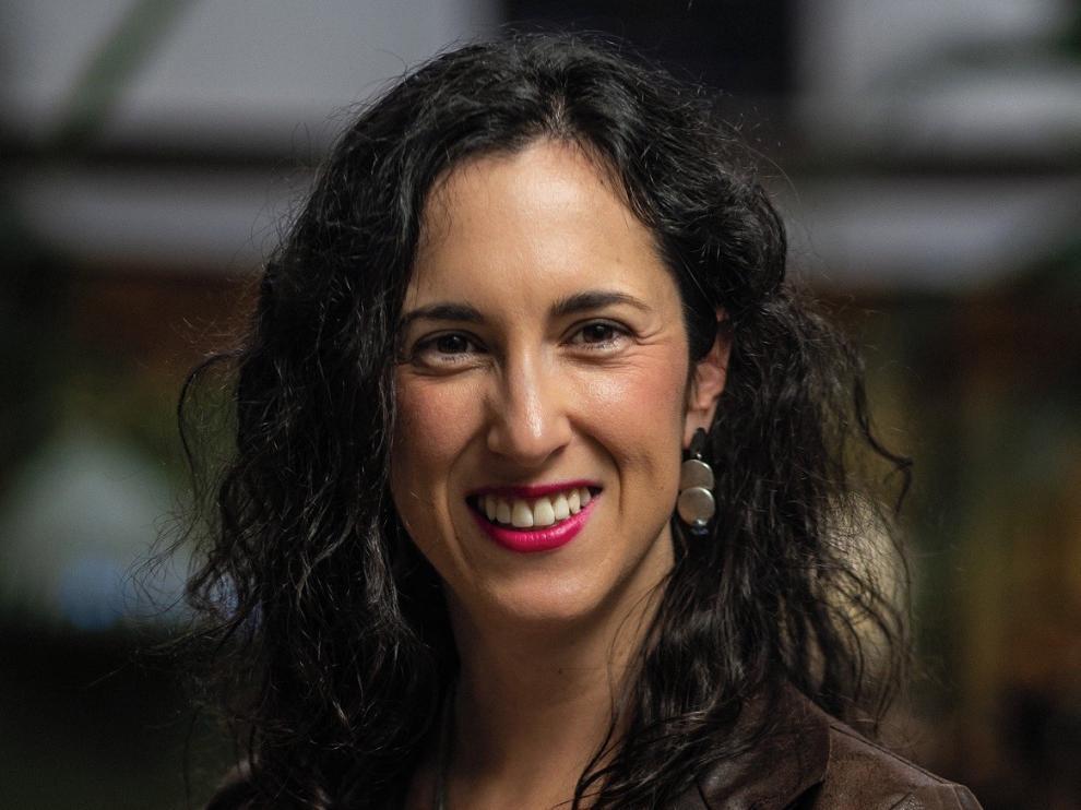 La oscense Silvia Gil, en la Junta de la Sociedad Española de Neurología
