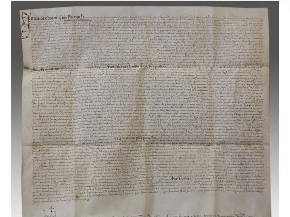 Los 20 manuscritos antiguos del Obispado de Barbastro-Monzón despiertan el interés de un comprador