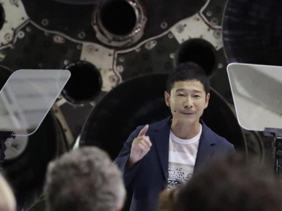 Multimillonario japonés busca mujer que le siga hasta la Luna