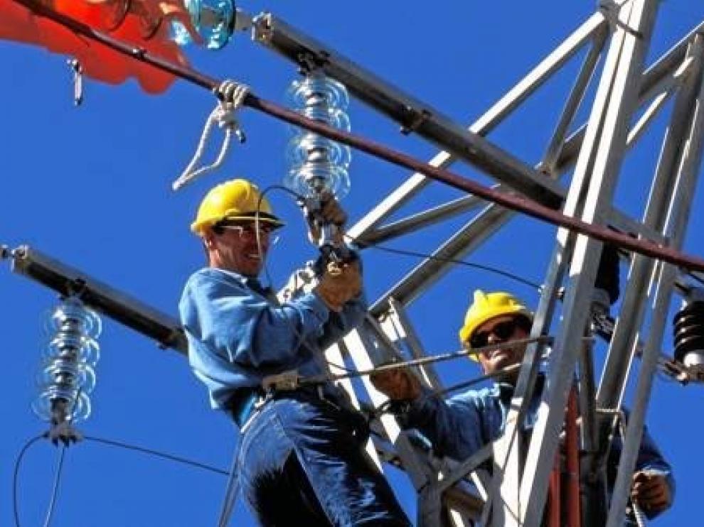 Endesa invierte 100.000 euros en la mejora tecnológica de la red en Alcolea de Cinca, Binéfar y Monzón