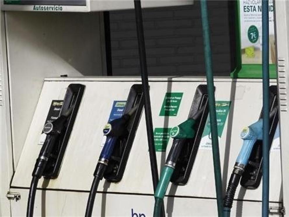 Los carburantes llevan al 0,8 % la inflación al cierre de 2019