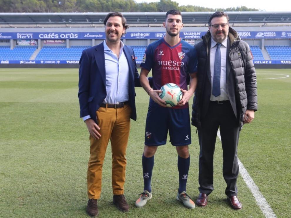 """Rafa Mir: """"La confianza que me ha dado el Huesca desde el minuto cero ha sido fundamental"""""""