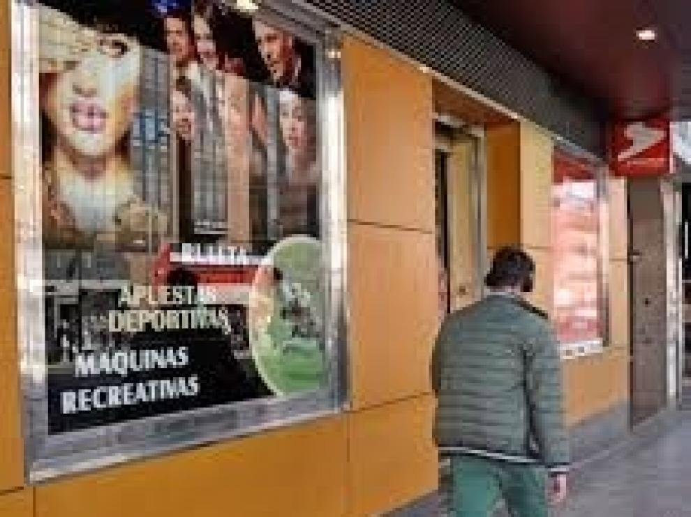 FAD avisa de que los jóvenes españoles ven jugar y apostar como una opción más de ocio