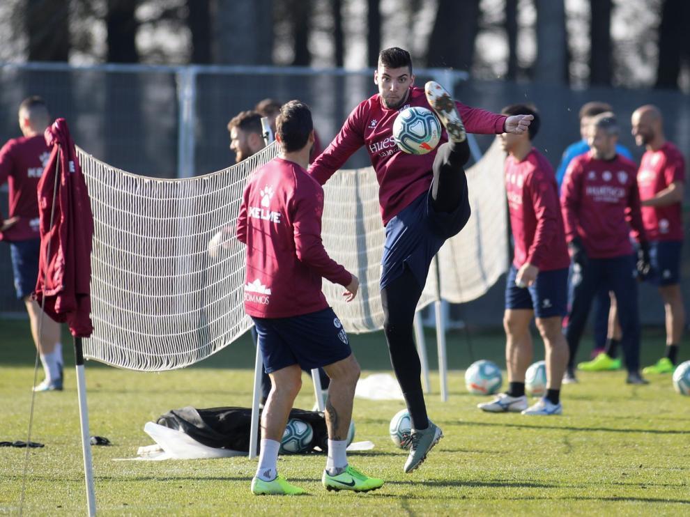 """Míchel ve a Mir como """"un delantero diferente"""" y cuenta con Pablo Insua"""