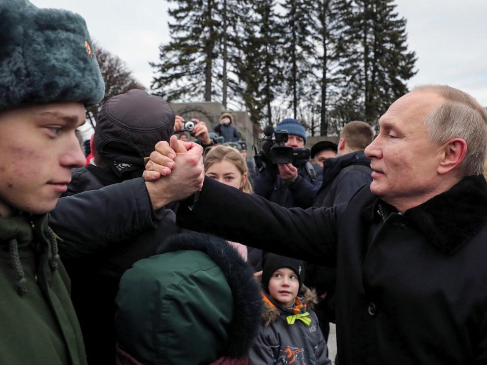 """Putin """"tapará las bocas"""" de quienes falseen la historia"""