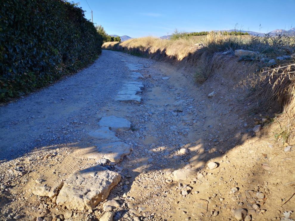 La Cofradía y los vecinos piden arreglar el camino de Jara