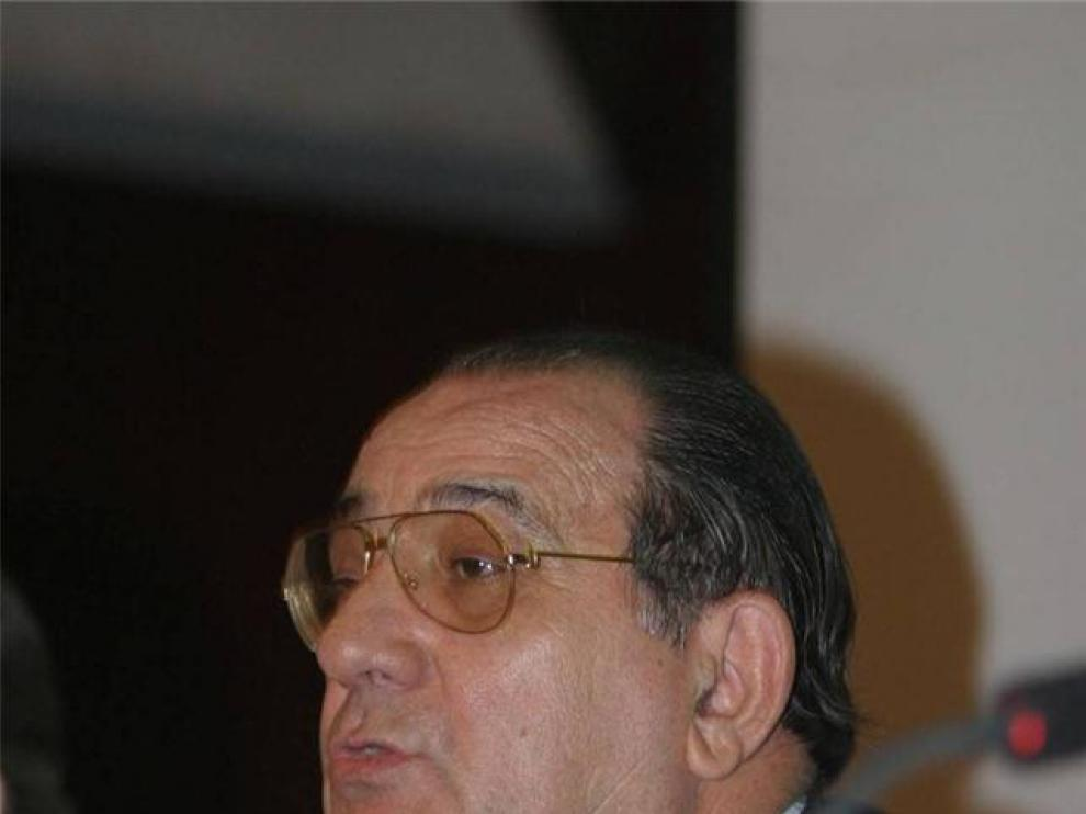Fallece Ángel Oliván, exdirector general de la Caja Rural del Alto Aragón y de Multicaja