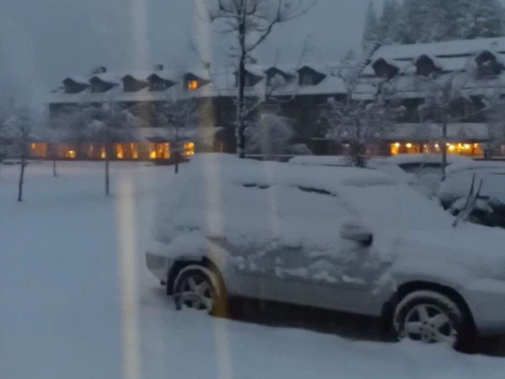 Las carreteras de Huesca van recuperando poco a poco la normalidad tras las últimas nieves