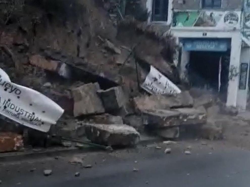 Las instensas lluvias provocan el derrumbe de una ladera en Aínsa