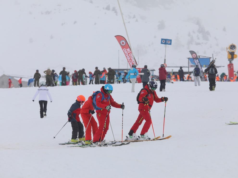 Fin de semana de esquí en el Pirineo de Huesca con 275 kilómetros de nieve fresca
