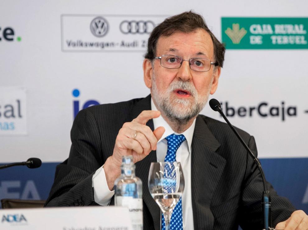 """Rajoy confía en que Sánchez no haga un """"daño excesivo"""" al país"""