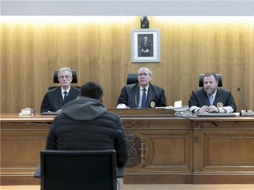 Condenado a siete años y seis meses el autor de un apuñalamiento en Sariñena