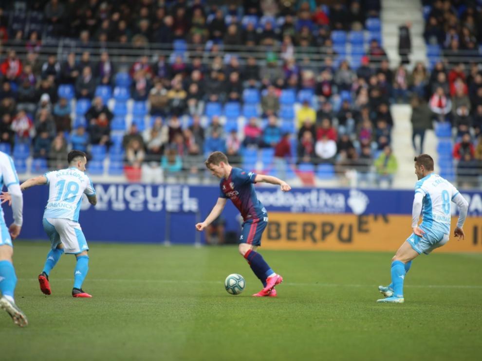 El Huesca remonta al Lugo y deja un buen sabor de boca (2-1)