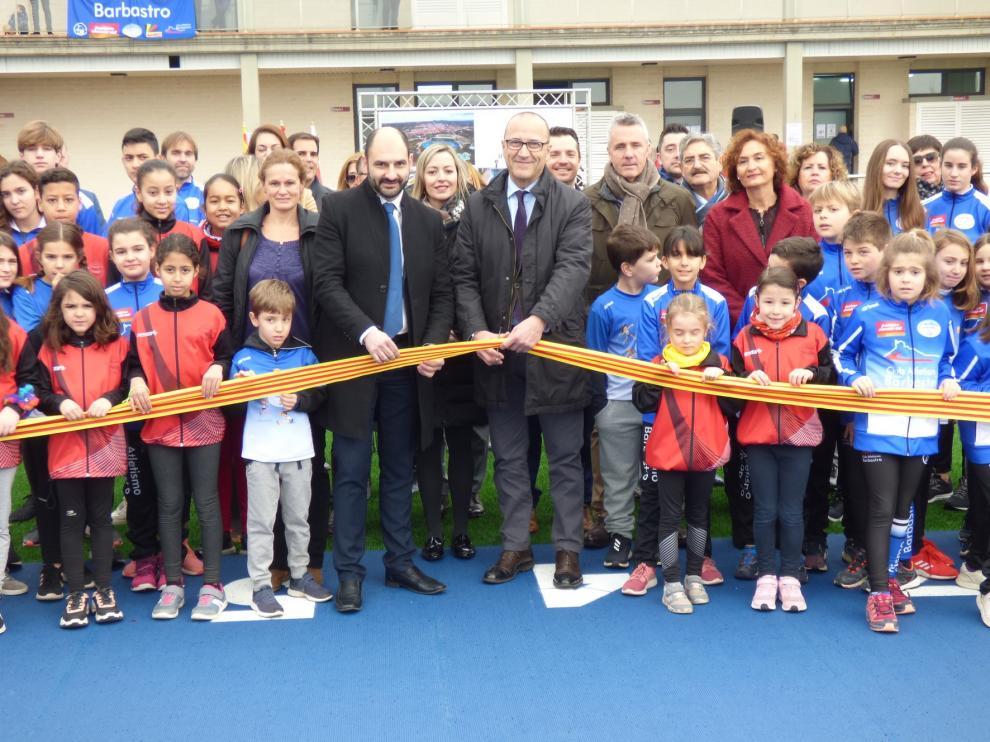 Barbastro estrena nuevas instalaciones deportivas dedicadas al atletismo