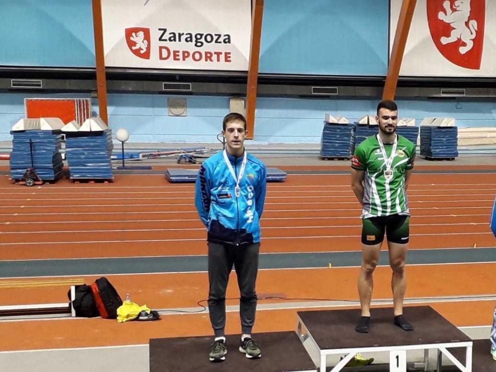 Una veintena de medallas en el regional de atletismo