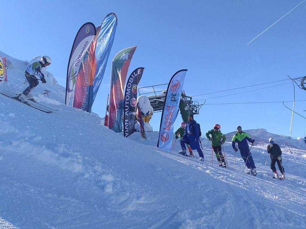 El Trofeo Panticosa Memorial Sergio Belío de esquí salió a pedir de boca