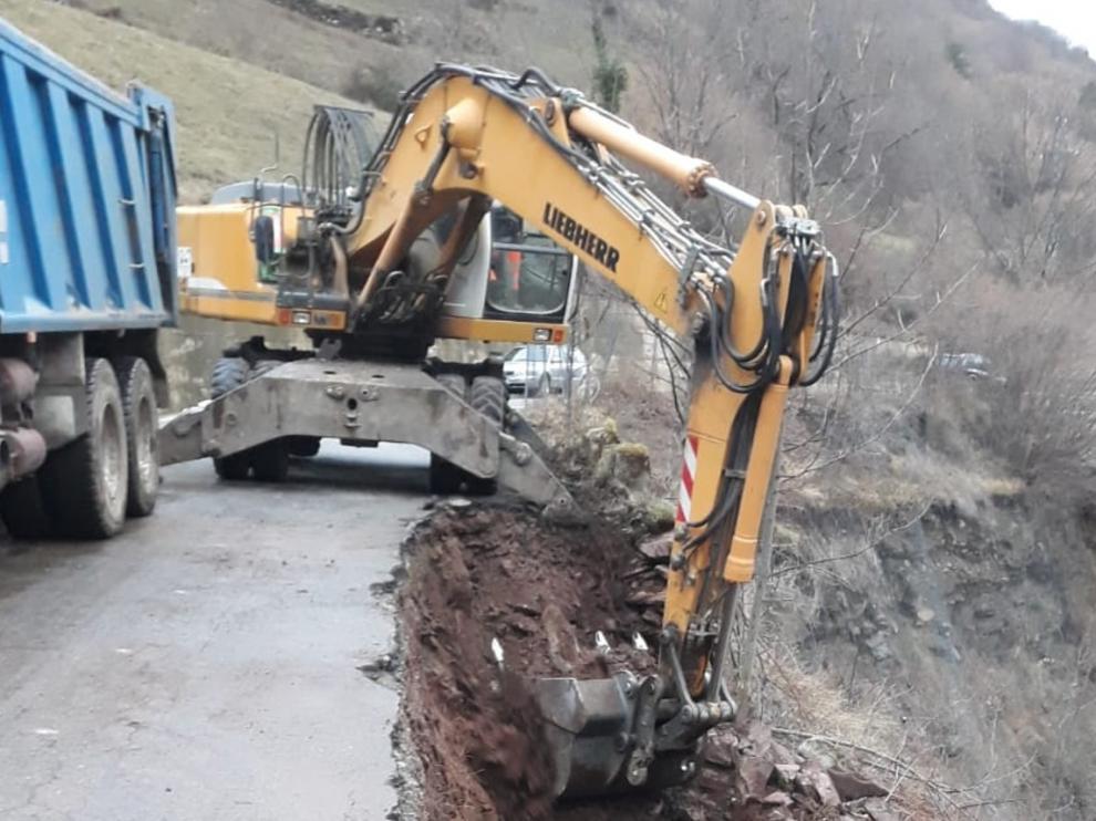 Comienzan las obras en la zona del desprendimiento de la carretera entre Bielsa y Pineta