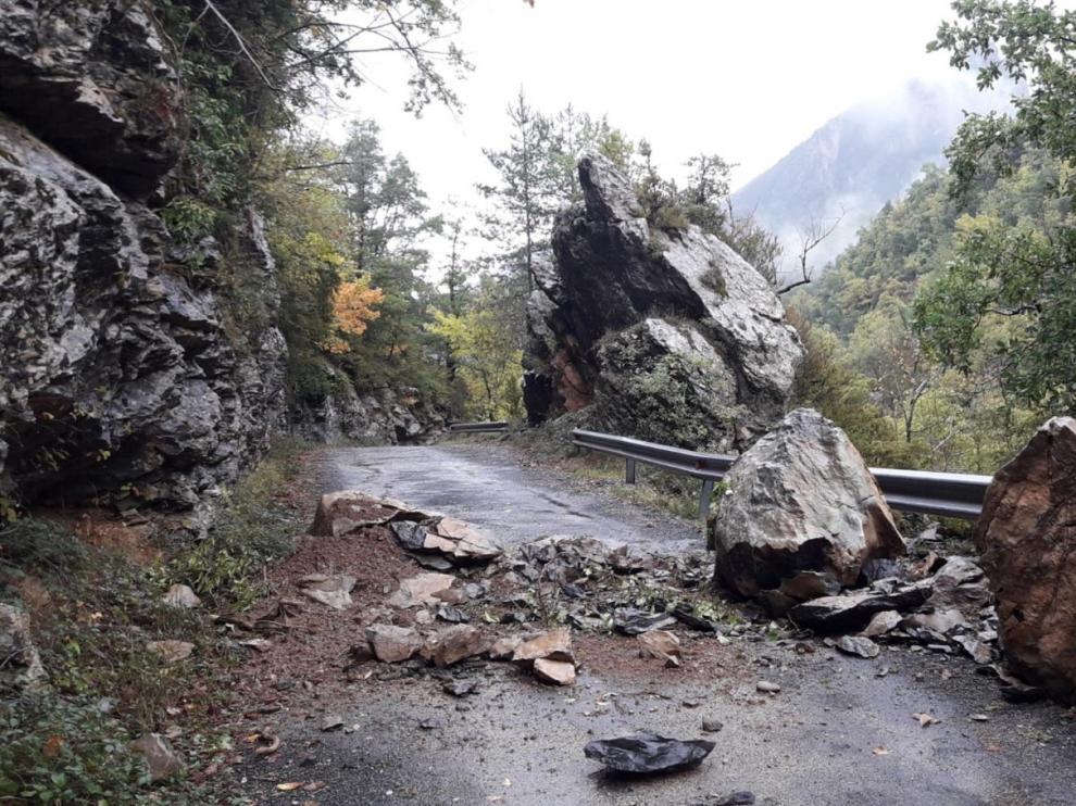 La carretera del cañón de Añisclo sigue cerrada por caída de rocas