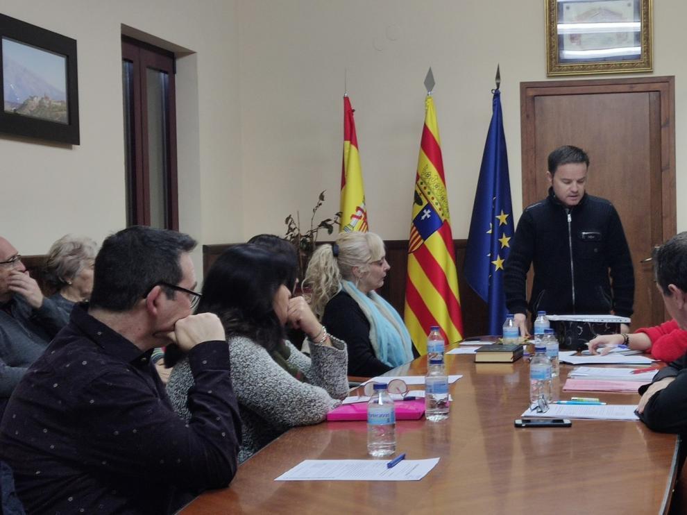 José Luis Usé toma posesión como alcalde de Siétamo