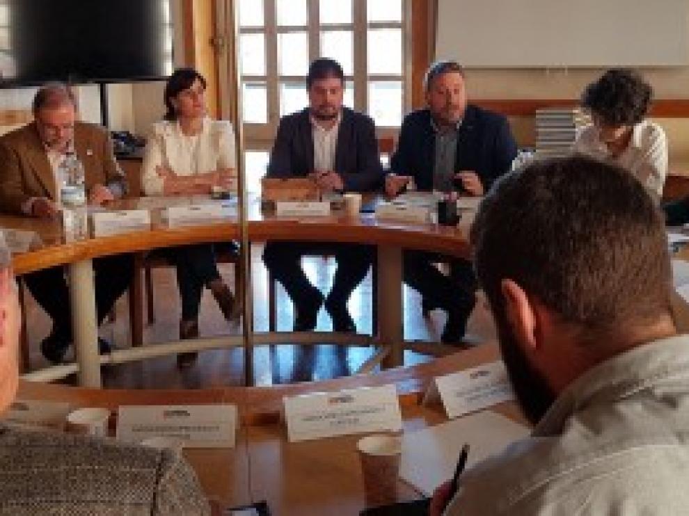 Soro preside la creación de la Comisión de Coordinación del Camino de Santiago-Camino Francés a su paso por Aragón
